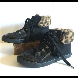 G by Guess leopard fur high top sneakers EUC 8